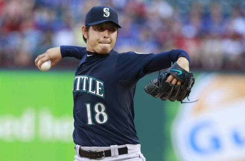 Seattle Mariners: Hisashi Iwakuma to 15-day DL with Strained Lat Muscle