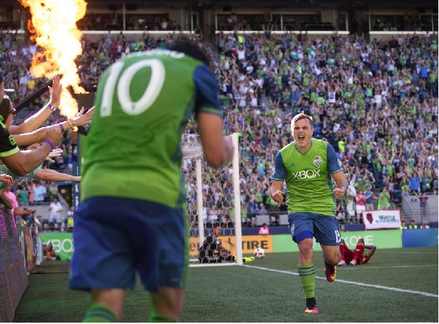 #10 Nicolas Lodeiro earns the assist as Morris puts in the go ahead goal (seattletimes.com)