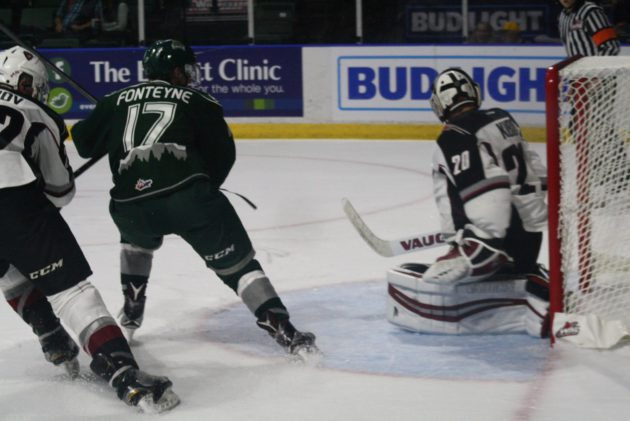 Silvertips open home season with 3-1 victory over Giants