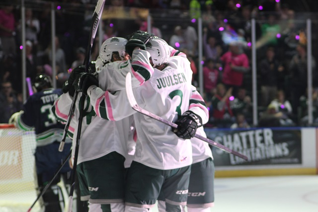 Silvertips win on the ice, but score big in the fight against breast cancer