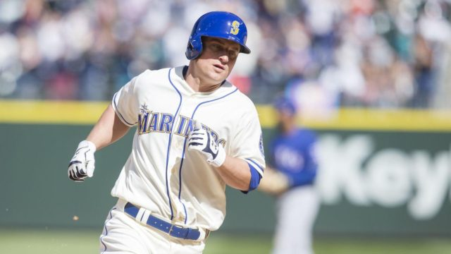Seager bomb puts Mariners back to respectability, win 2 of 3 to take the series against the Rangers