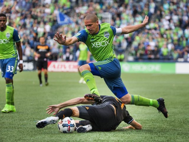 Dempsey's fireworks on July 4th ignites the Sounders as they down the Rapids 3-1