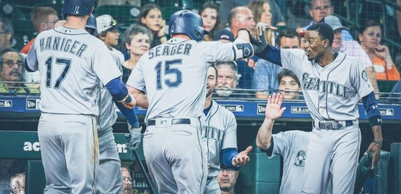 Mariners earn split with Astros, remain atop AL West