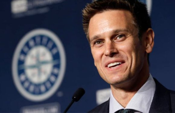 Mariners GM Jerry Dipoto rewarded with contract extension