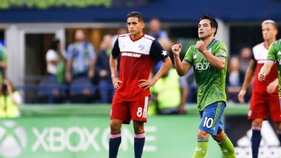 Brad Smith's ruthless aggression sparks Sounders to win over FC Dallas 2-1