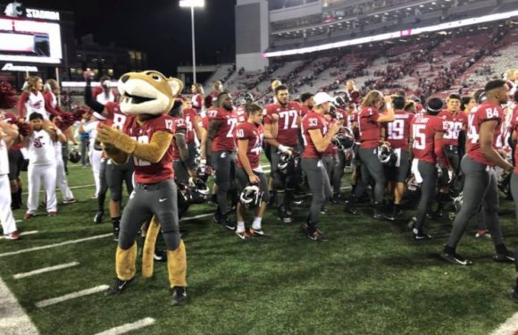 Cougars Get Revenge on Eastern Washington 2 Years Later!