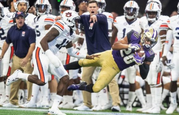 On the big stage, UW wilts, lose to Auburn 21-16