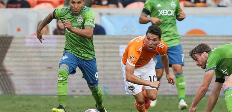 Sounders jockey for MLS playoff position, down Dynamo 3-2